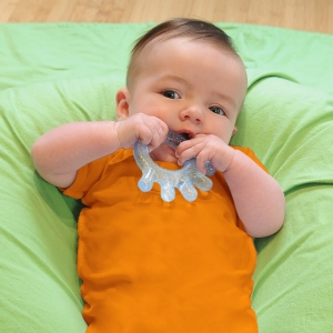 cool everyday teethers (2 pack) - blue + green